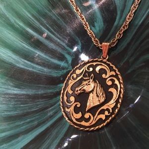 🐴 VINTAGE▪️HORSE long gold necklace